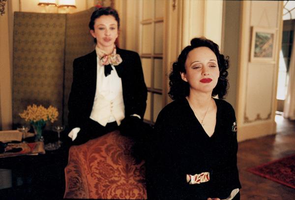 Cigarettes And Soap A Look At Classic Hollywood La Vie En