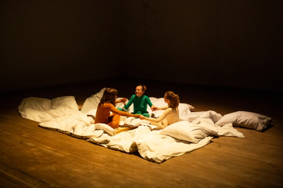 Claudia Kainberger, Anna Kramer and Alice Peterhans in the play.