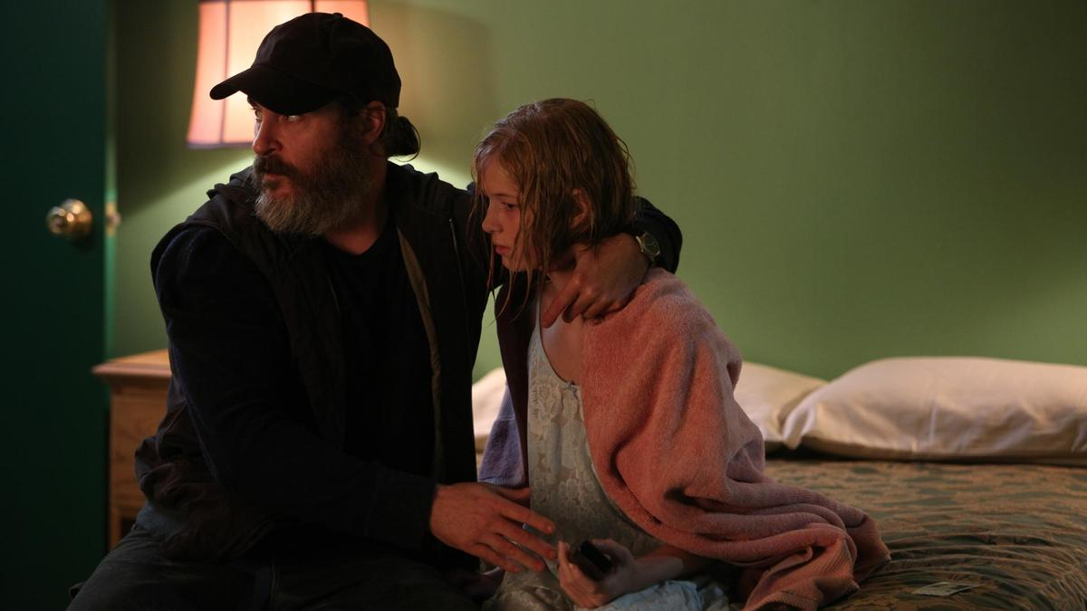 Joaquin Phoenix and Ekaterina Samsonov in the film.