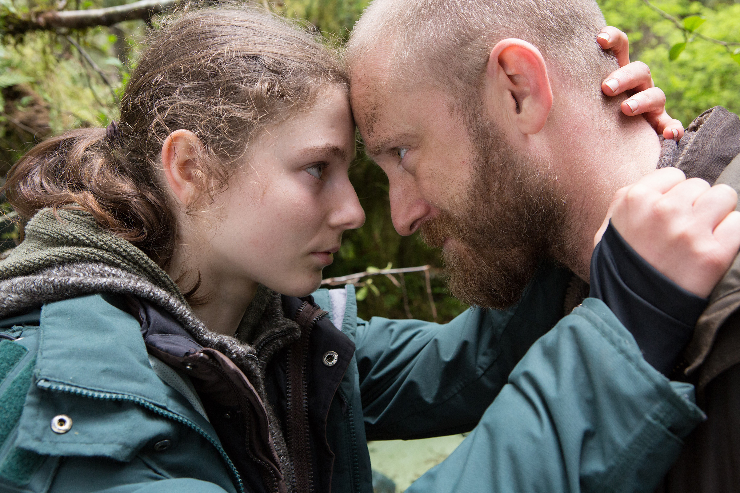 Thomasin McKenzie and Ben Foster in the film.