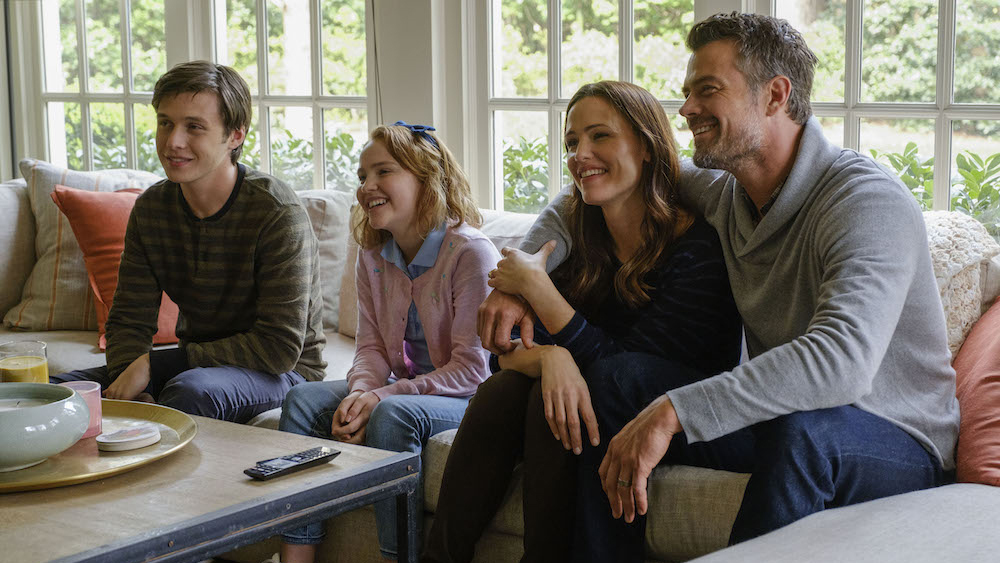 Nick Robinson, Talitha Eliana Bateman, Jennifer Garner and Josh Duhamel in the film.