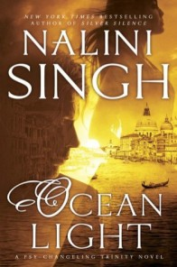 The book cover in a golden color scheme, showing the silhouettes of a man and a woman, a lot of water and a bit of Venice.