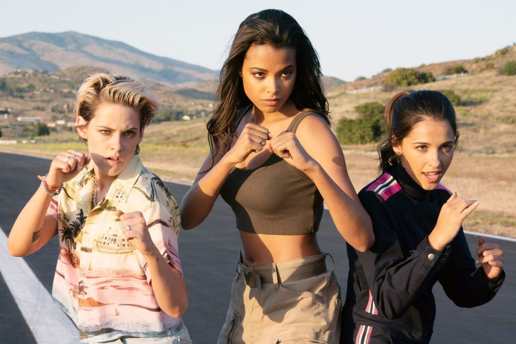 Sabina (Kristen Stewart), Jane (Ella Balinska) and Elena (Naomi Scott) in fight poses.