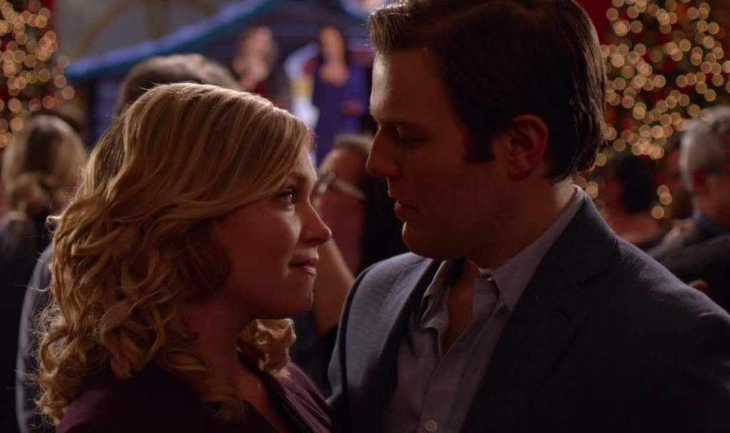 Ellen (Eliza Taylor) dancing with Jake (Jake Lacy).