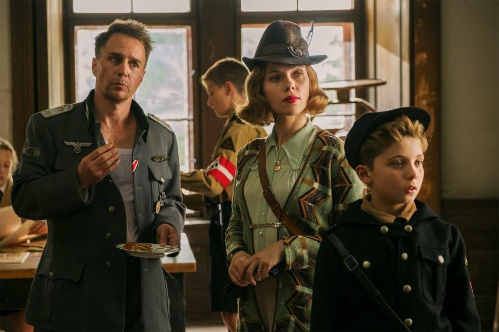 Captain Klenzendorf (Sam Rockwell), Rosie (Scarlett Johansson) and Jojo (Roman Griffin Davis).