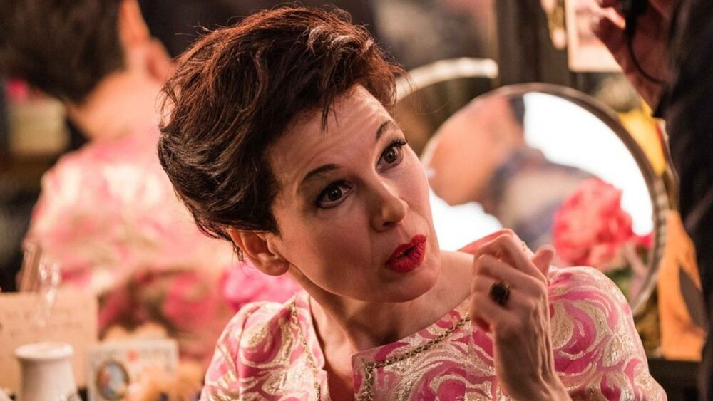 Judy Garland (Renée Zellweger) in her dressing room.