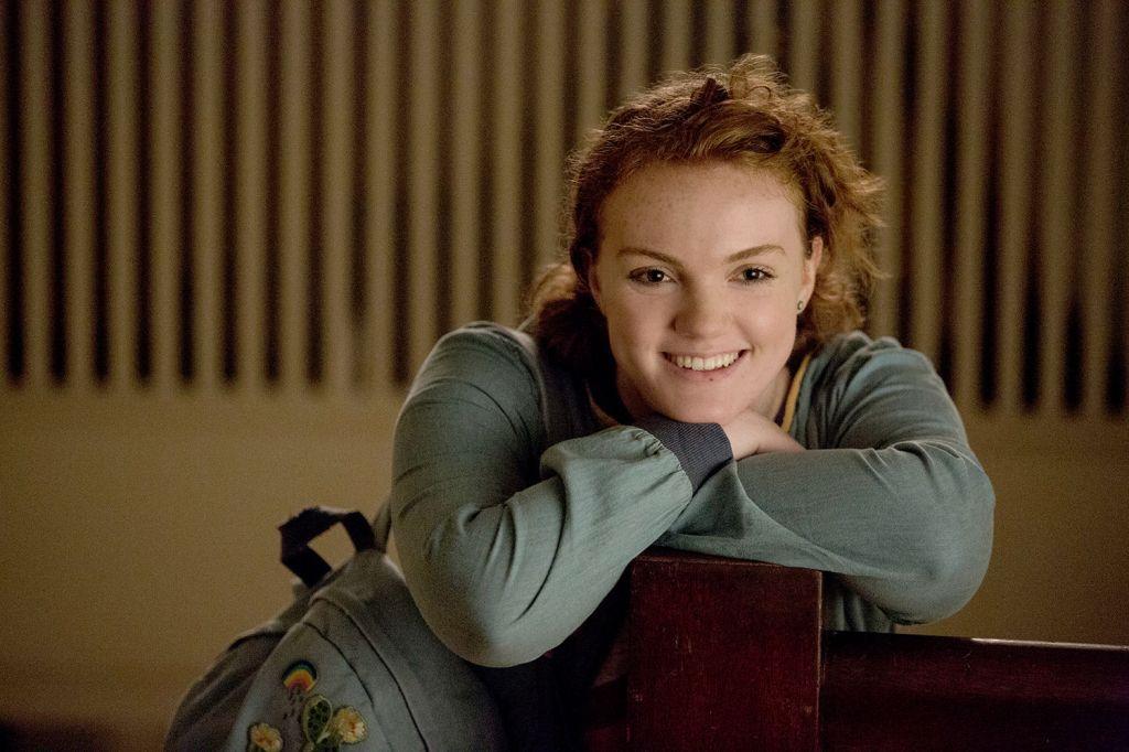 Sierra (Shannon Purser) smiling.