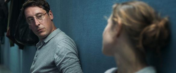 Janne (Aenne Schwarz) talking to Martin (Hans Löw).