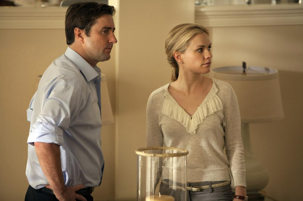 William (Luke Wilson) and Katherine (Anna Paquin) in their home.