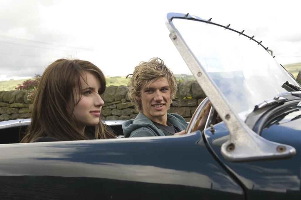 Poppy (Emma Roberts) taking a drive with Freddie (Alex Pettyfer).