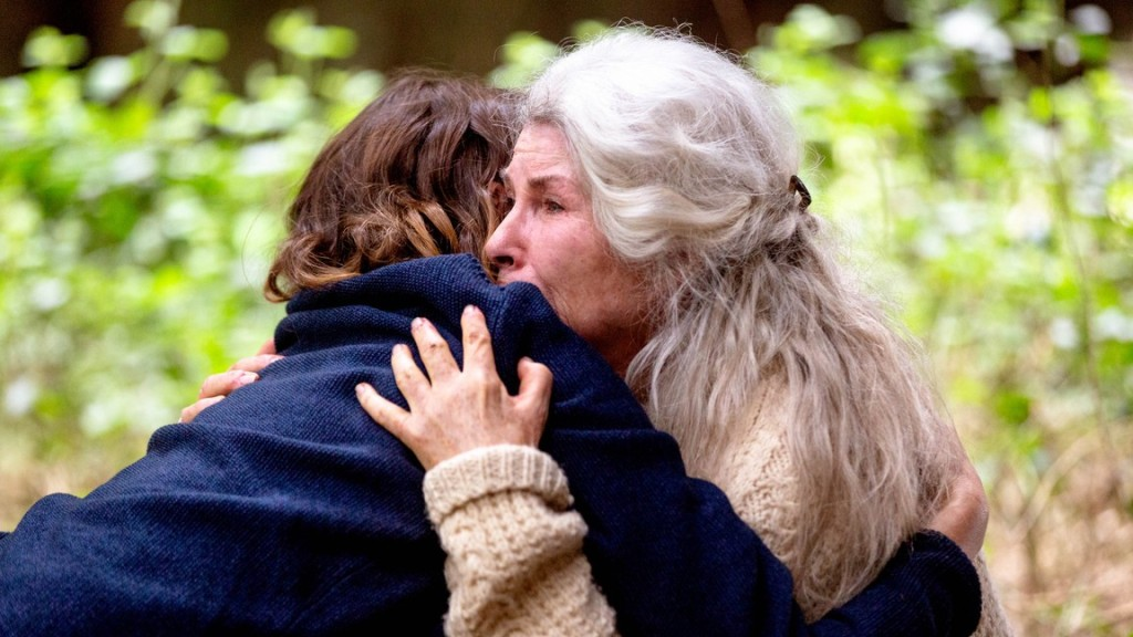 Edna (Robyn Nevin) and Kay (Emily Mortimer) hugging.