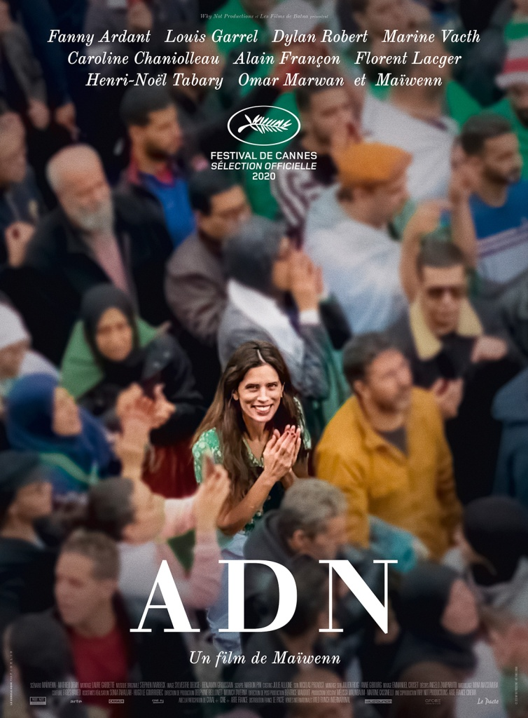The film poster shwowing Neige (Maïwenn) in a crowd of people, she is the only one in focus.