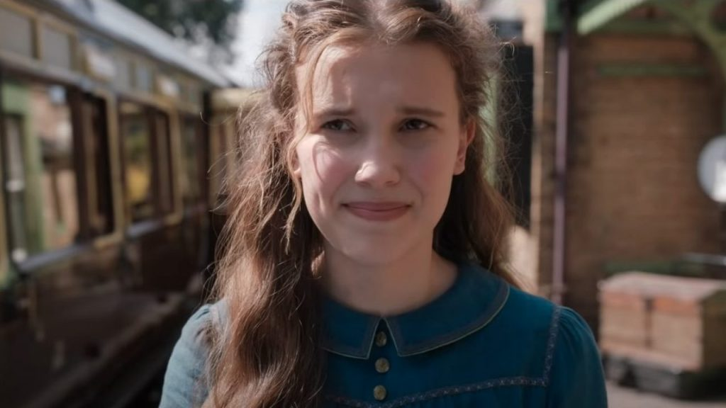 Enola (Millie Bobby Brown) at the train station.