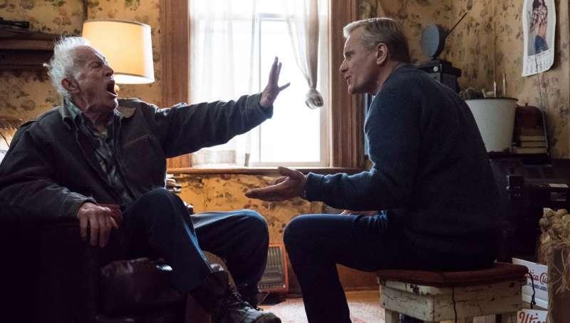 John (Viggo Mortensen) fighting with his elderly father Willis (Lance Henriksen).