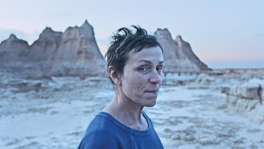 Fern (Frances McDormand) in the desert.