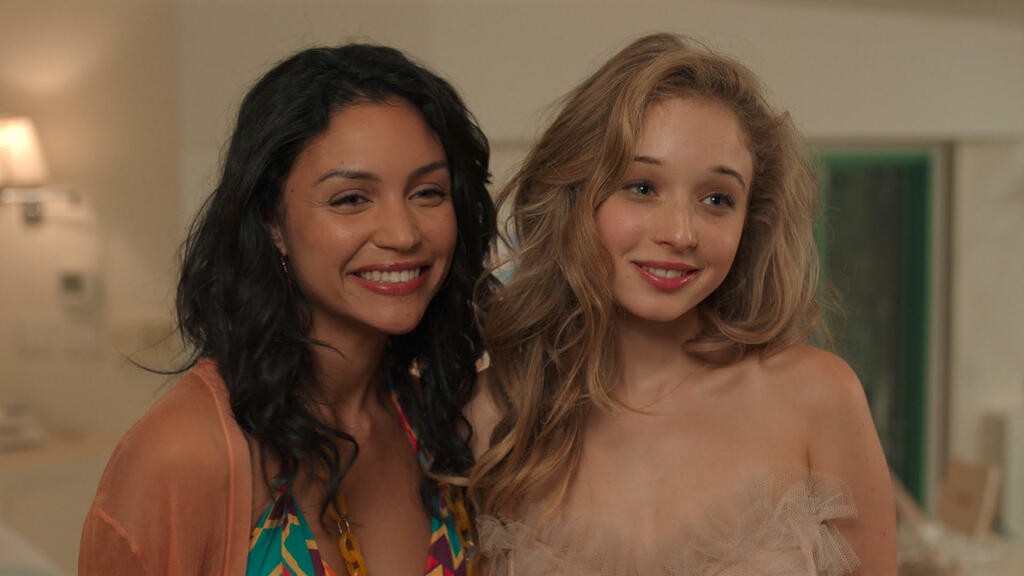 Camilla (Bianca A. Santos) and Penny (Carson Meyer).