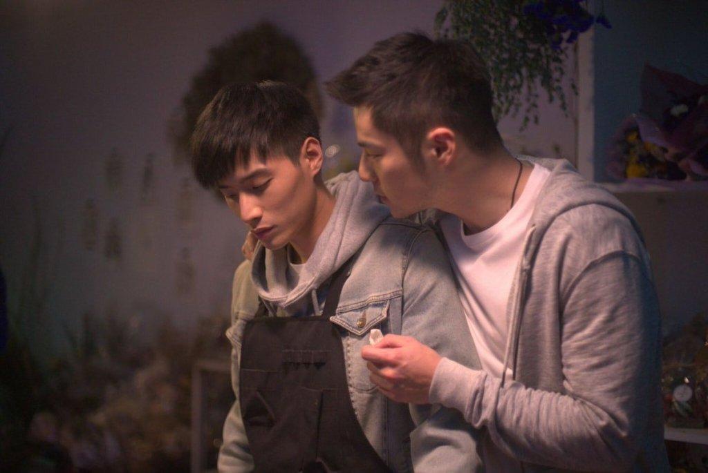 Josh (Golden Elephant) talking to Lin (Aric Chen).