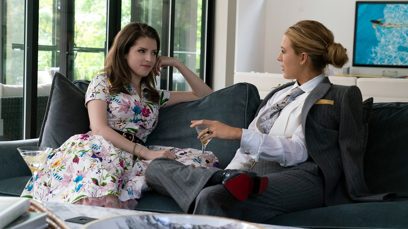 Stephanie (Anna Kendrick) talking to Emily (Blake Lively).