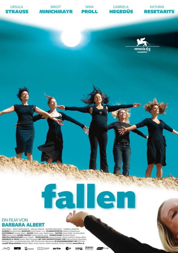 The film poster showing Alex (Ursula Strauss), Brigitte (Birgit Minichmayr), Nina (Nina Proll), Nicole (Gabriela Hegedüs) and Carmen (Kathrin Resetarits), all dressed in black with their arms spread wide, their hair blowing in the wind, at the edge of a hill.