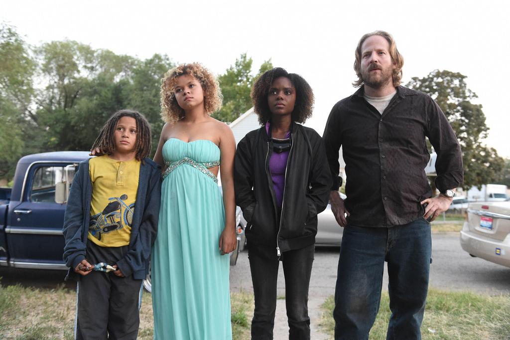 Jet (Lance Gray), Laney (Rachel Crow) and Deidra (Ashleigh Murray) with their father Chet (David Sullivan).