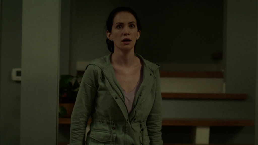 Maddie (Kate Siegel) looking scared.