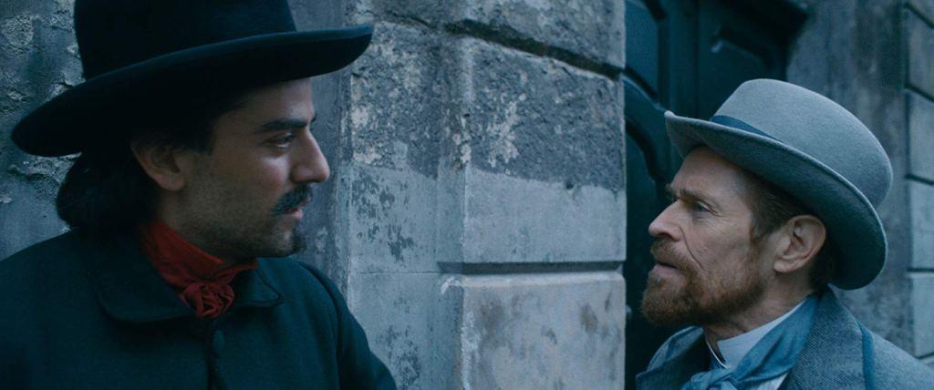 Vincent van Gogh (Willem Dafoe) talking to Paul Gaugin (Oscar Isaac).