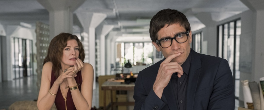 Rhodora (Rene Russo) and Morf (Jake Gyllenhaal) looking at a painting that is in the position of the camera.