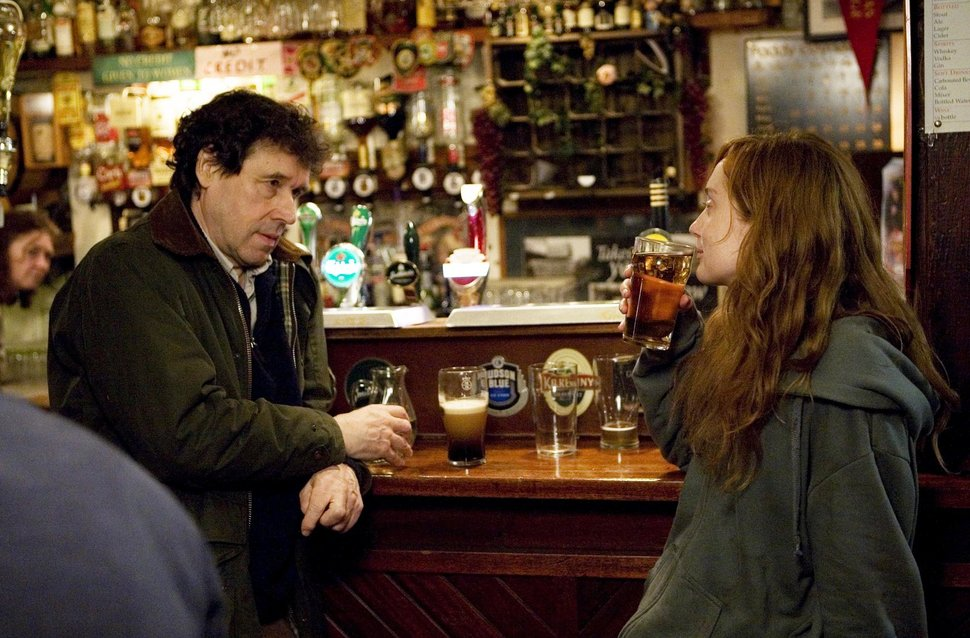 Martin (Stephen Rea) and Anne (Lotte Verbeek) out for a beer.