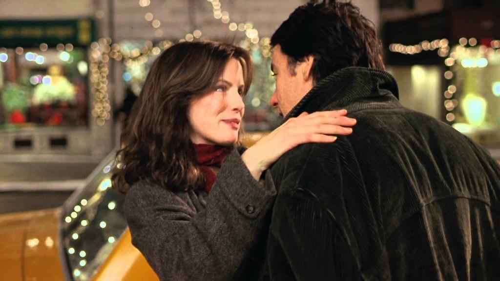 Jonathan (John Cusack) leaning in to kiss Sara (Kate Beckinsale).