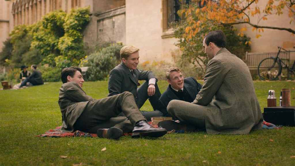 Tolkien (Nicholas Hoult) with his friends (Patrick Gibson, Anthony Boyle, Tom Glynn-Carney).