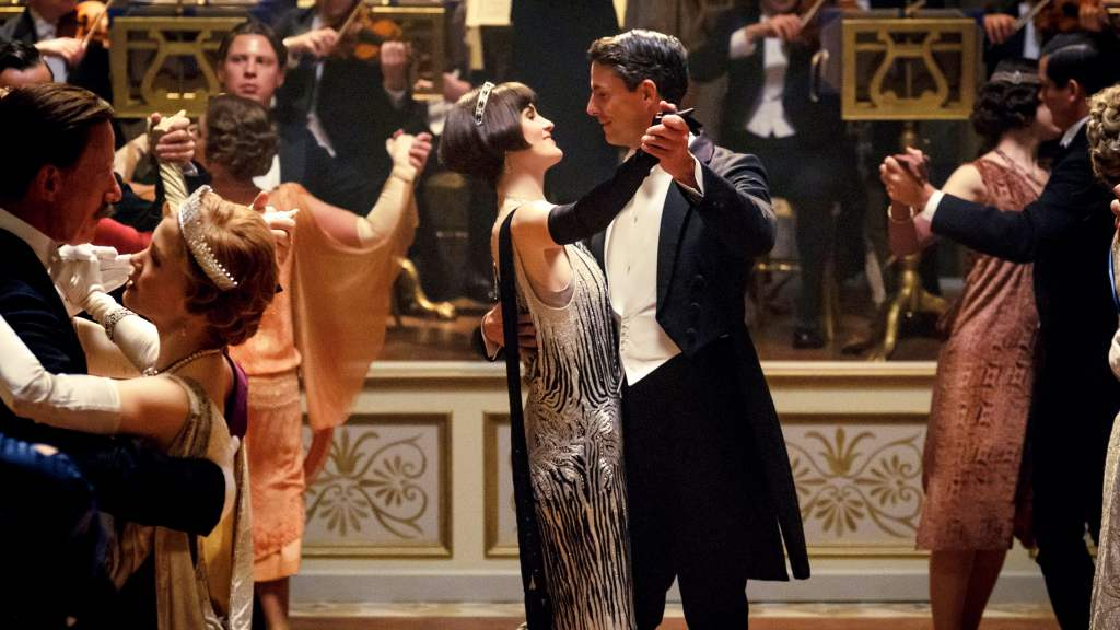 Lady Mary (Michelle Dockery) dancing with Henry Talbot (Matthew Goode).