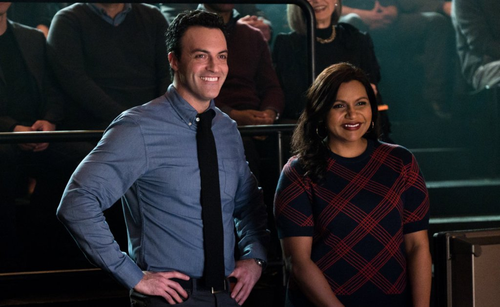 Molly (Mindy Kaling) and her colleague Tom (Reid Scott) during the shoot of the show.