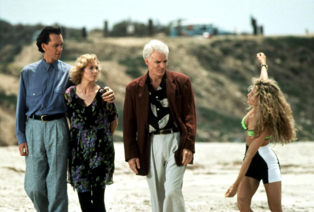Roland (Richard E. Grant), Sara (Victoria Tennant), Harris (Steve Martin) and SanDeE* (Sarah Jessica Parker) on the beach together.