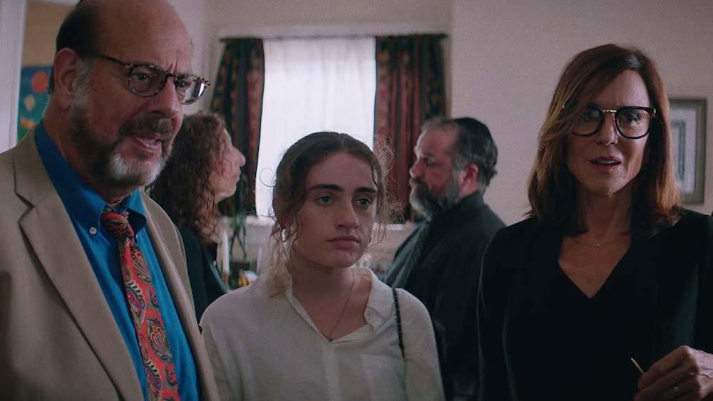Danielle (Rachel Sennott) with her parents Joel (Fred Melamed) and Debbie (Polly Draper).