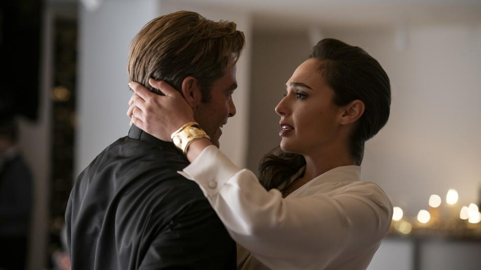 Steve (Chris Pine) and Diana (Gal Gadot) embracing each other.